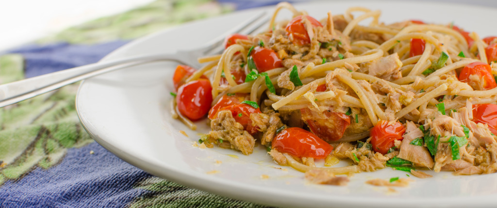 Pasta with canned tuna food e file for Fresh tuna fish recipes